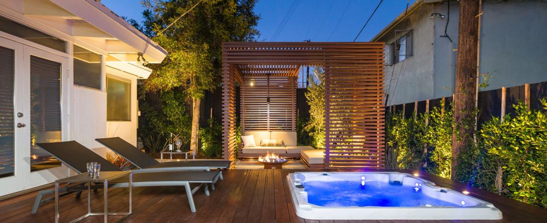 11-Brentwood-CA-Joffre-Residence-Deck-Trellis-Area-1800x978-1100x450.jpg