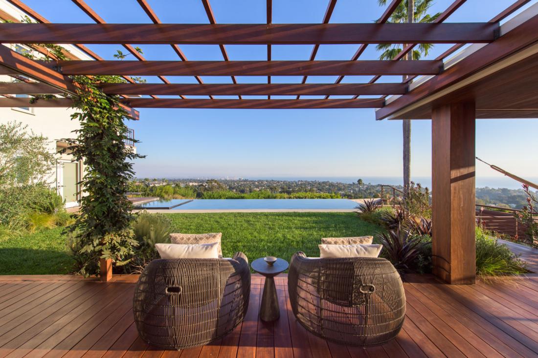 backyard-view-new-vanishing-edge-pool-ocean-view-1100x733.jpg