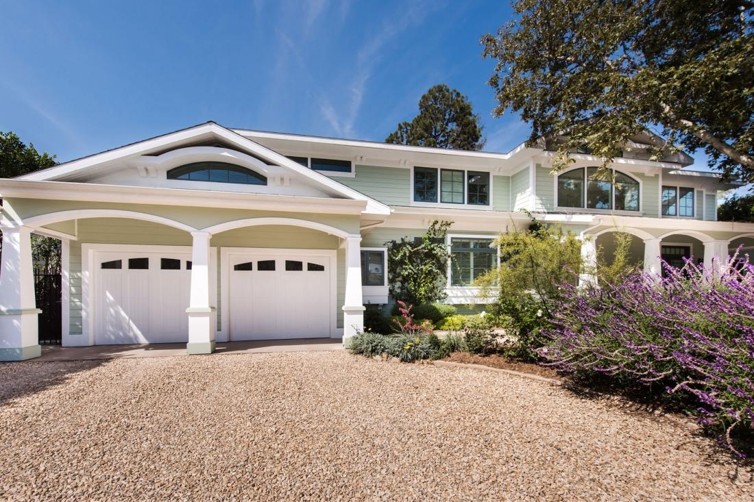 double-lot-new-home-los-ang-1100x733.jpg