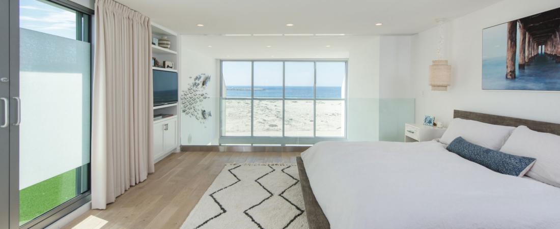 loft-master-bed-ocean-view-renovation-27-1-1100x450.jpg
