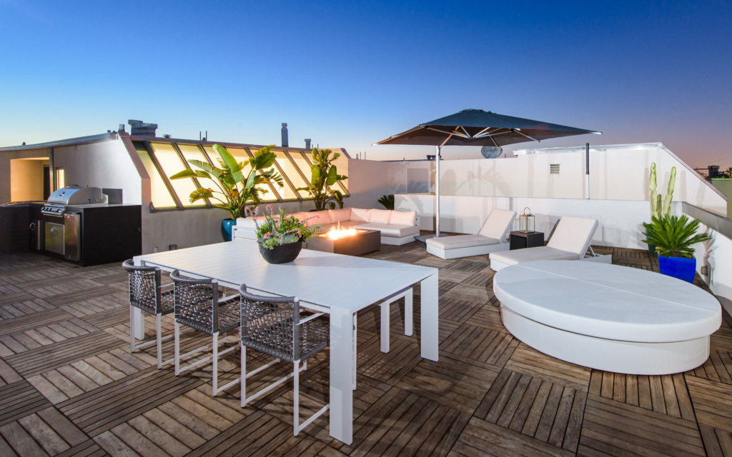 Rooftop, al fresco dining in Marina Del Ray