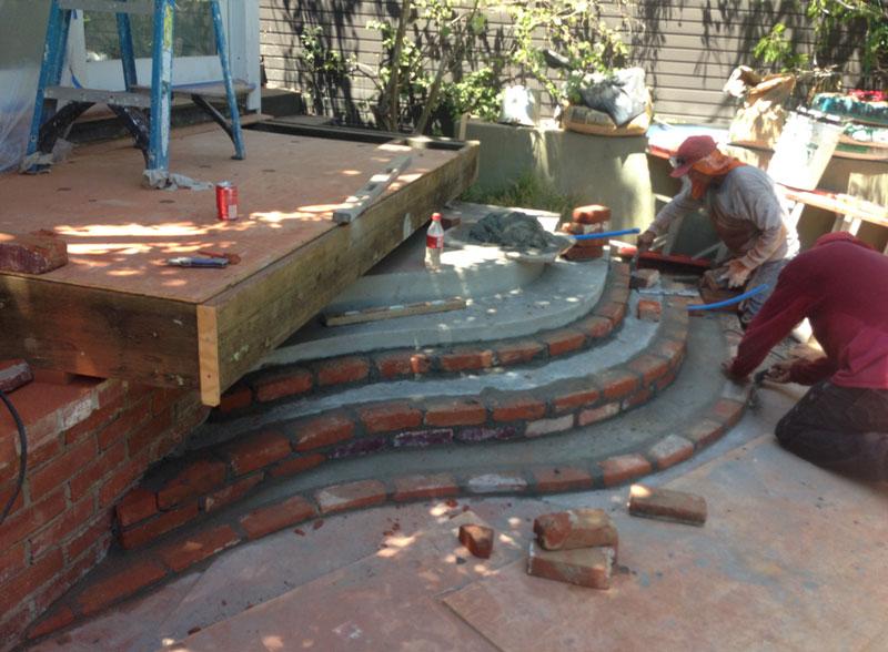 curved_brick_stairs_2.jpg