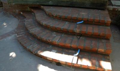 curved_brick_stairs_4-400x235.jpg