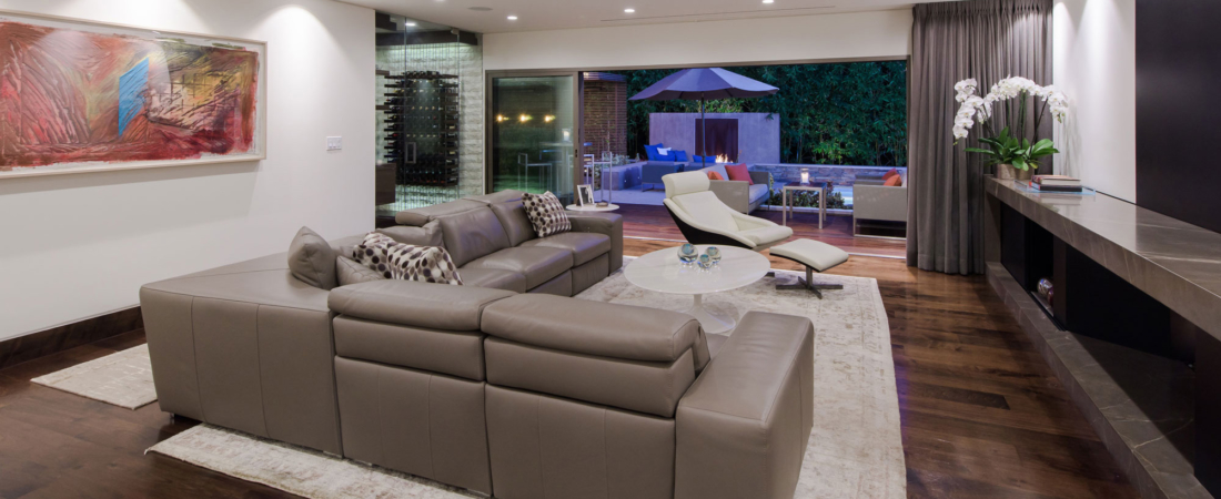 sleek-modern-interior-sunset-LA-view-to-backyard-1100x450.jpg
