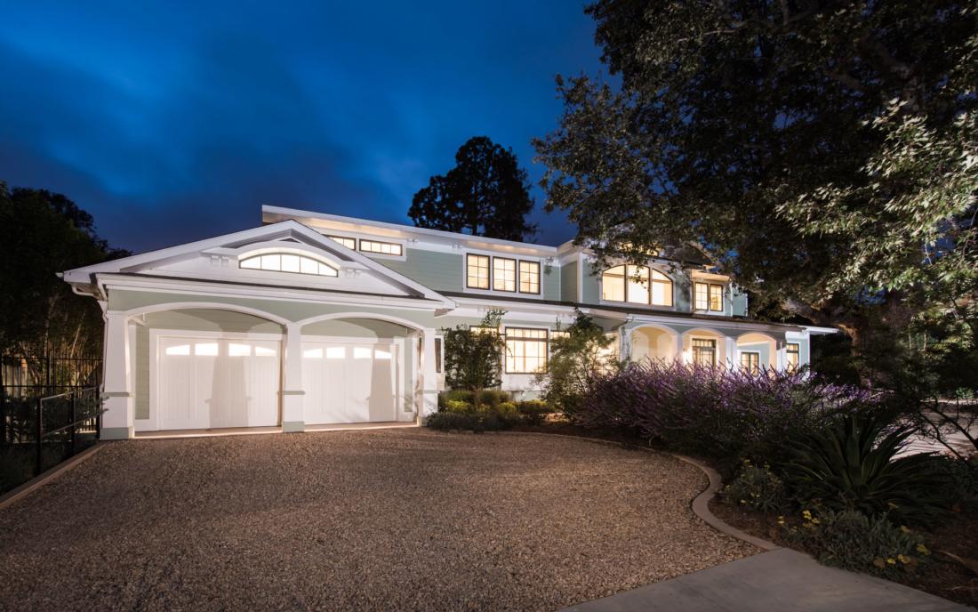 east-coast-newport-style-home-california-1100x688.jpg