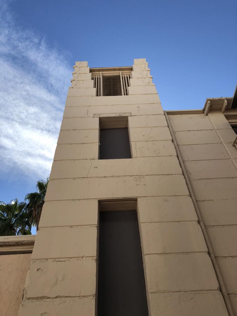 Lloyd Wright Oasis Hotel